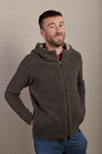 veste tricot homme souple col et capuche