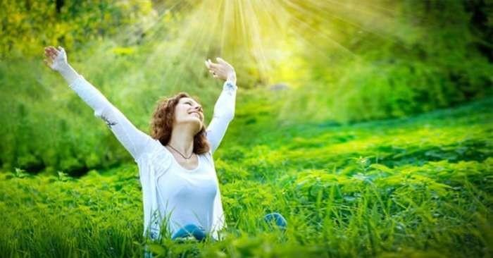 Ánh sáng xanh tự nhiên giúp duy trì nhịp sinh học của cơ thể diễn ra bình thường