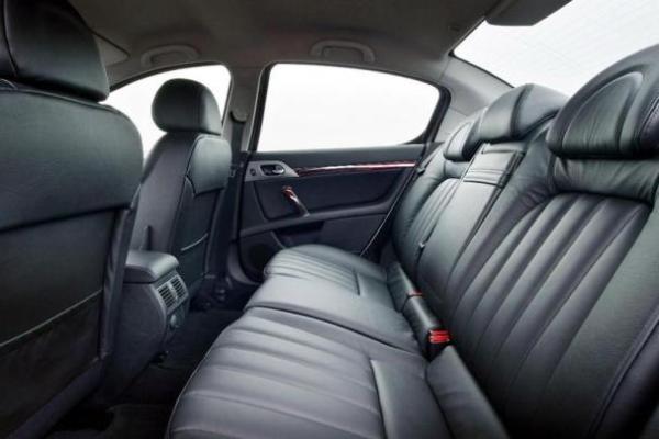 Peugeot 407 interior