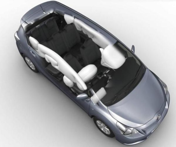 Toyota Avensis 2010 airbags