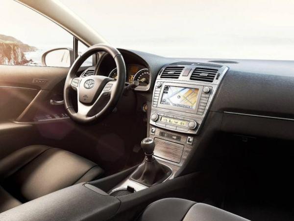 Toyota Avensis 2010 dashboard area