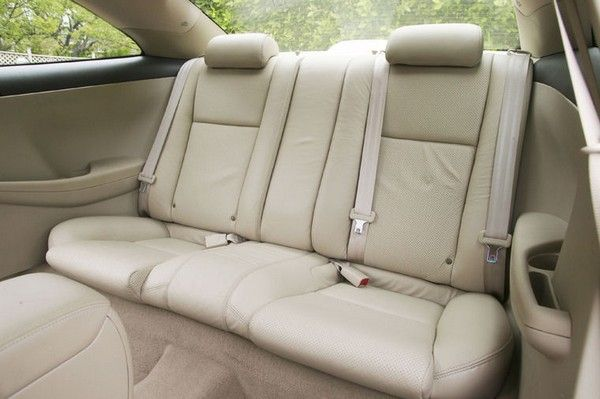 Toyota Camry 2005 seating