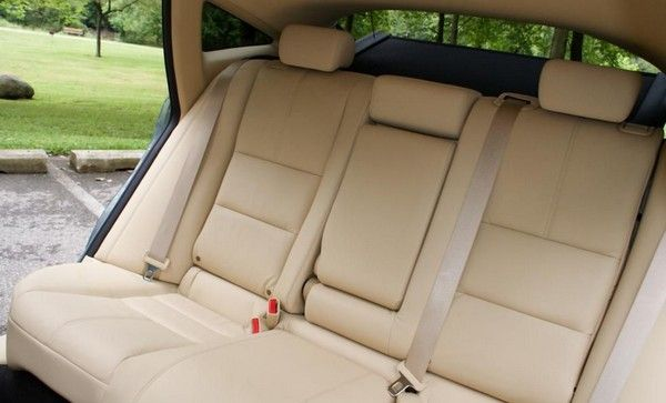 Honda Crosstour 2010 rear seats