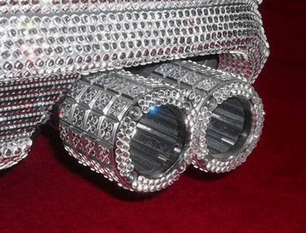 The dual exhaust pipe of The diamond-studded Mercedes-Benz of Prince Alwaleed