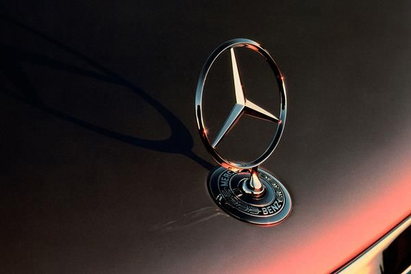 Mrecedes-Benz badge