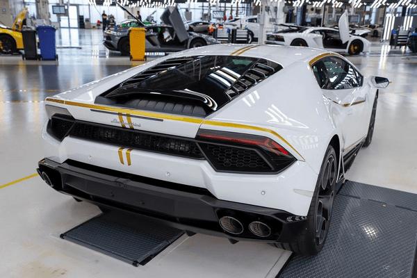 Pope Francis's Lamborghini Huracan at auction