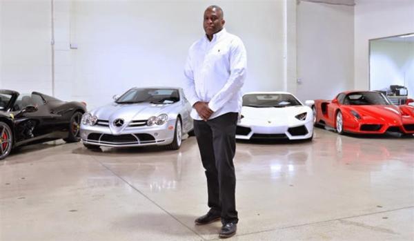 A man buying a car in Nigeria
