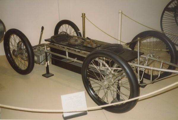 An ancient electric car