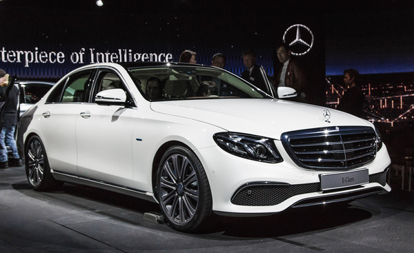 Angular front of the Mercedes-Benz E-Class