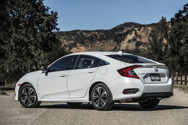 The-angular-rear-of the-Honda-Civic-sedan