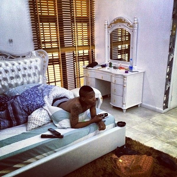 Wizkid-in-house-in-Lagos
