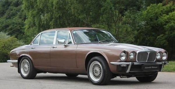 Image-of-a-1975-Jaguar-Vanden-Plas-Classic