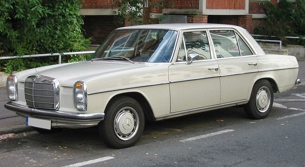Image-of-a-1976-Mercedes-Benz-230