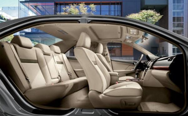 Camry-seat-arrangement-2010
