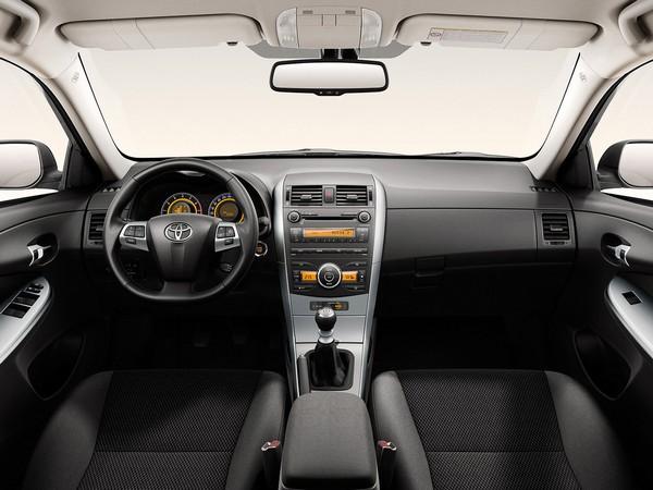 Corolla-2010-interior