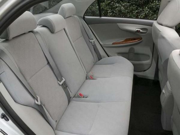 Corolla-2010-seat