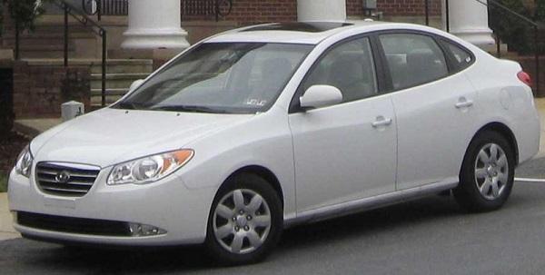 White-Hyundai-Elantra-2009-model