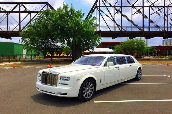 white-Rolls-Royce-of-sultan-of-Sokoto