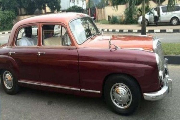 desmond-elliot-vintage-mercedes-benz-car