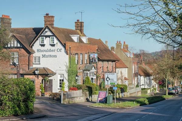 aston-clinton-town