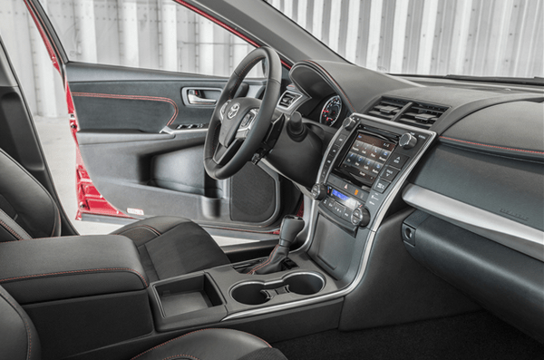 Dashboard-view-of-the-2015-camry
