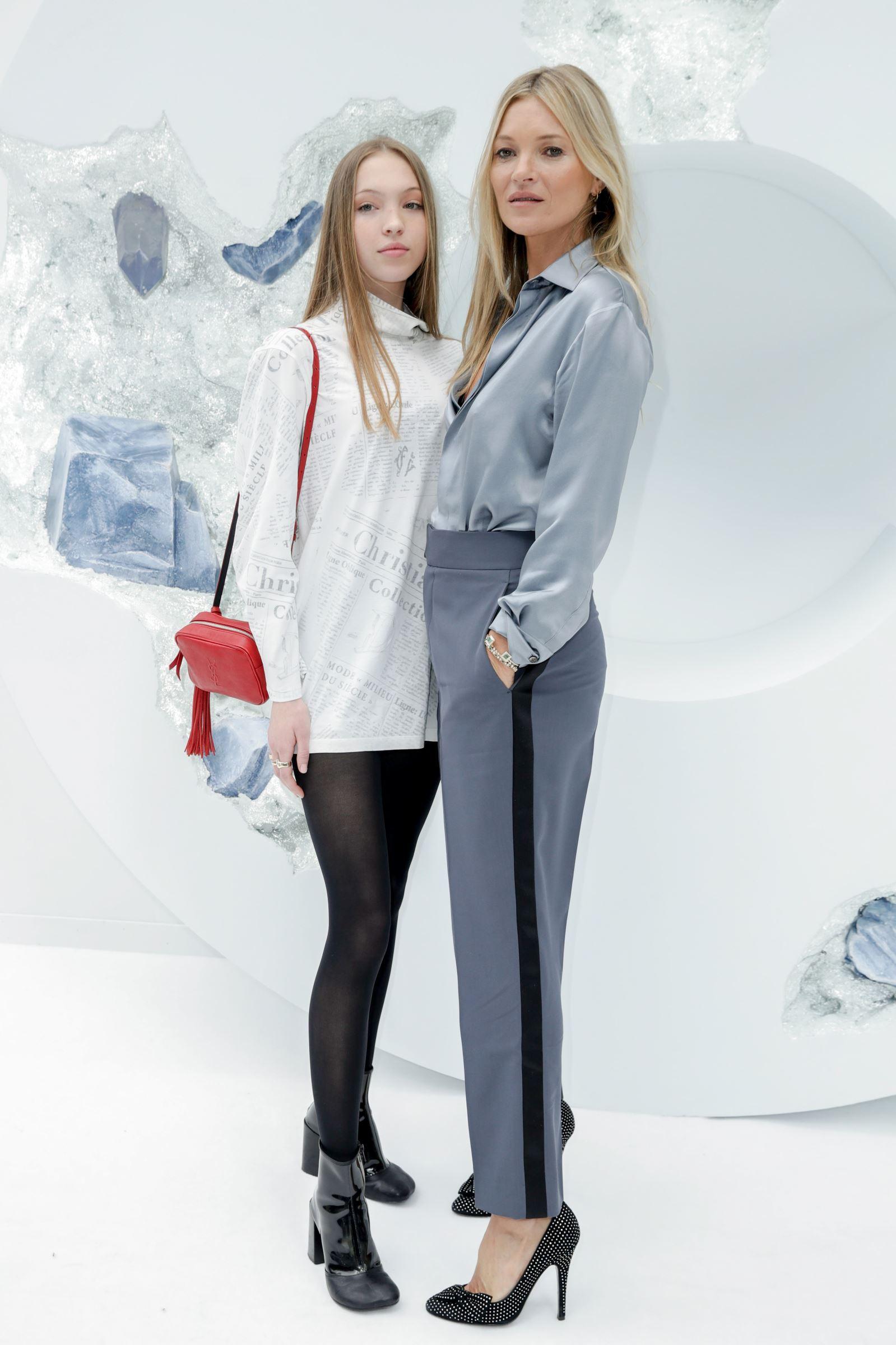 PHOTOS. Kate Moss : duo complice avec sa fille Lila-Grace à la... - Closer