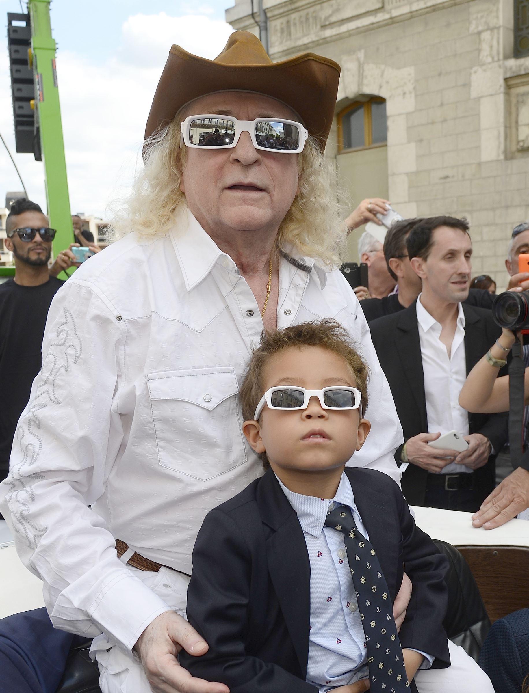 Michel Polnareff Sans Ses Lunette : michel, polnareff, lunette, يسمى, الأمهات, الليزر, Michel, Polnareff, Lunettes, Lauriebuttigieg.com