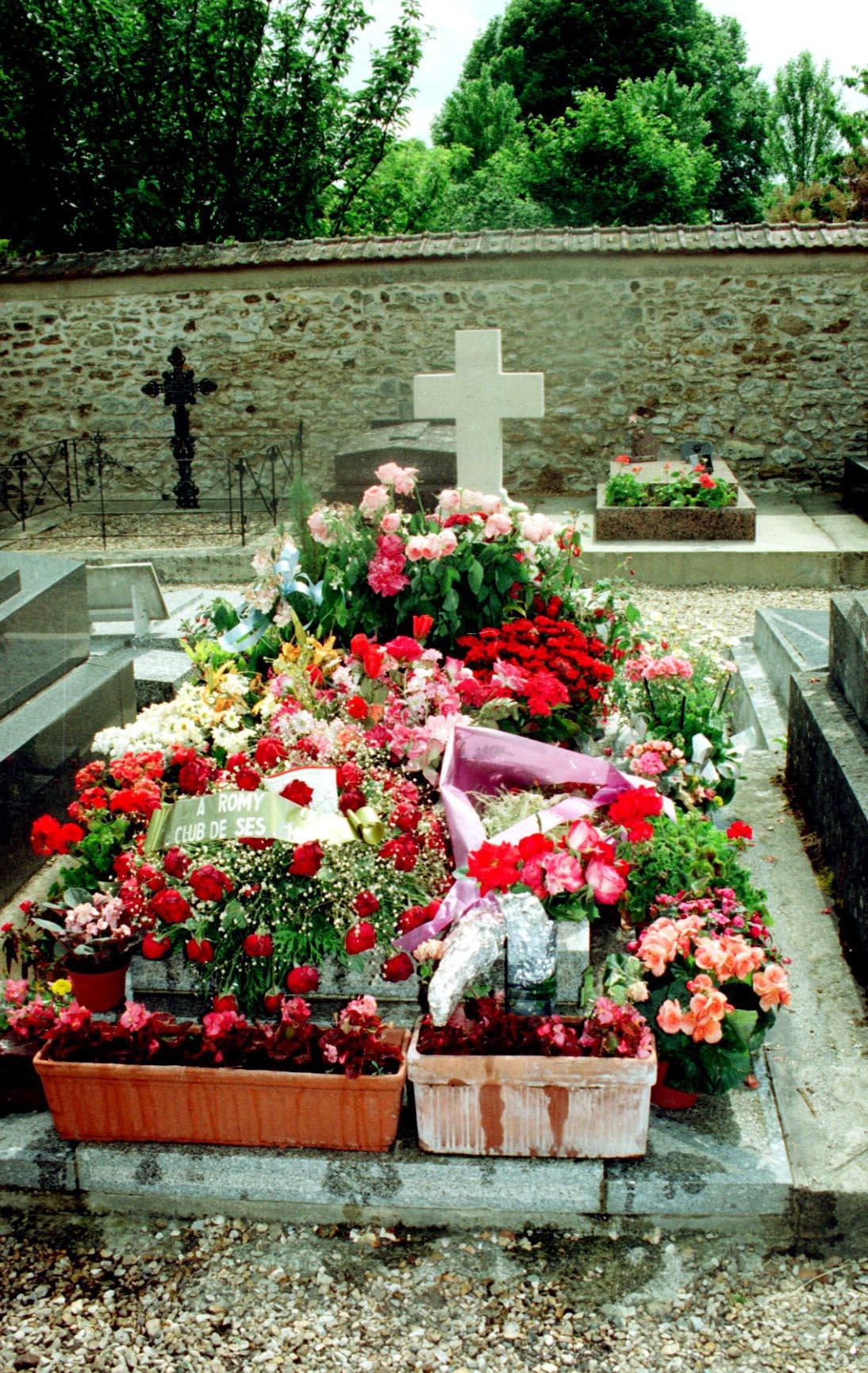 Mort Du Fils De Romy Schneider : schneider, PHOTOS., Schneider, Dépression,, Enfant....., Closer