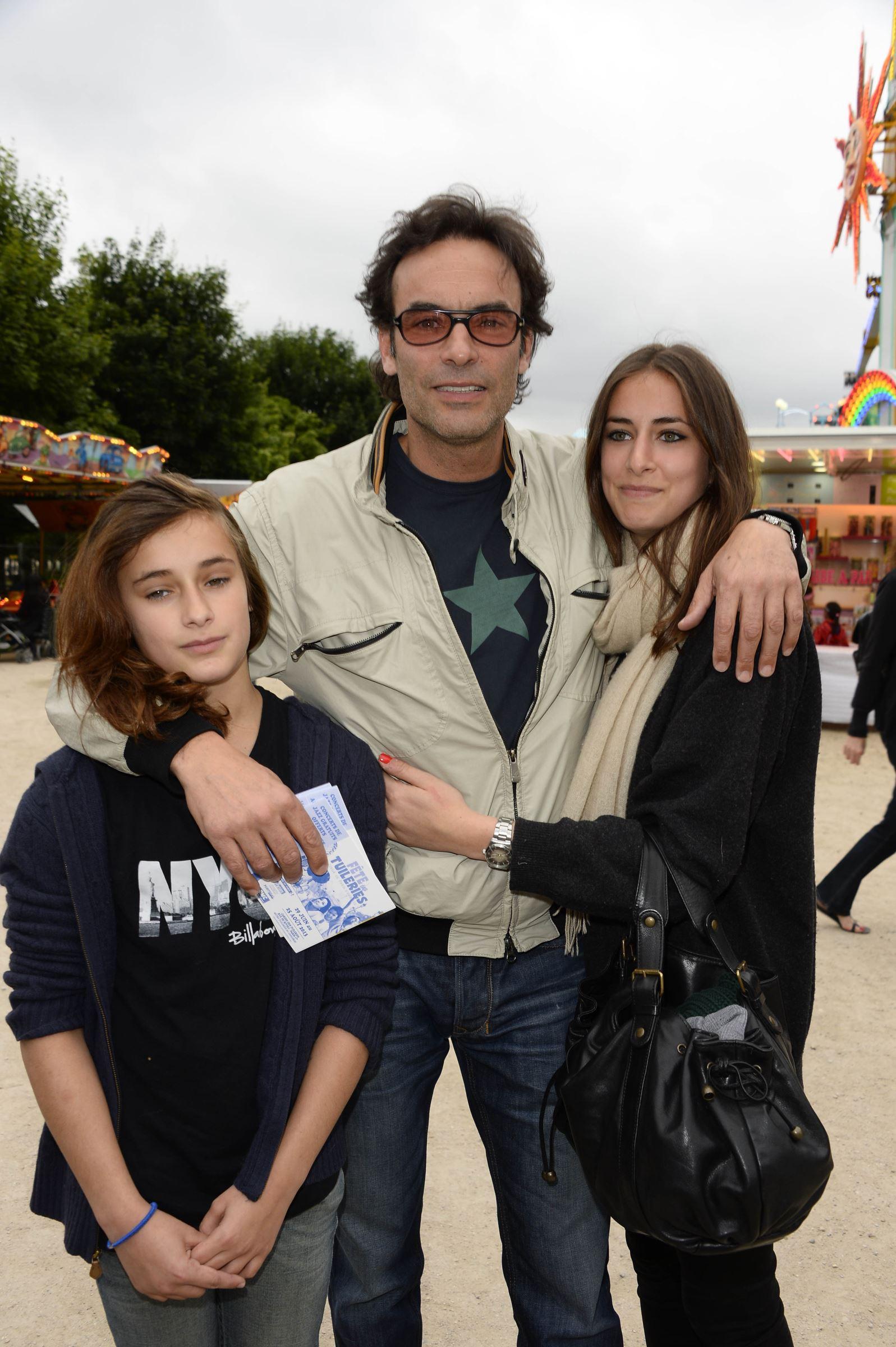 Alain Delon : son fils illégitime supposé Ari Boulogne a