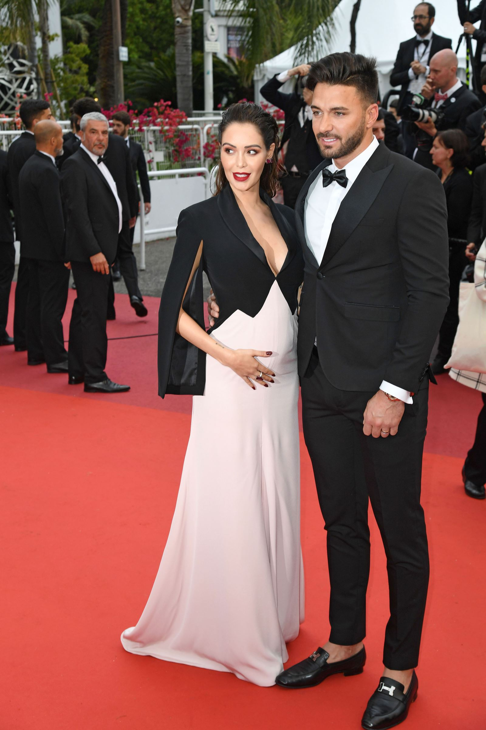 https www telestar fr people photos cannes 2019 nabilla enceinte elle rayonne sur le tapis rouge 429955