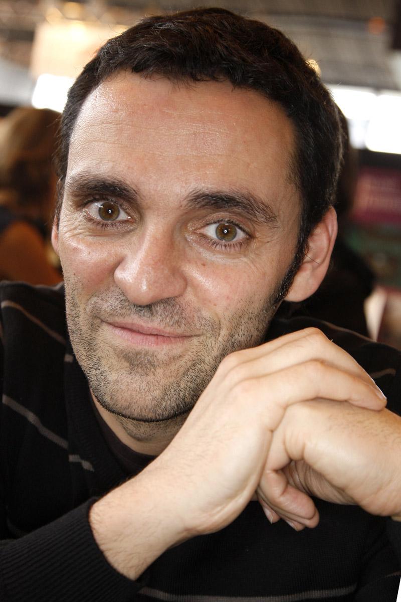 Yann Moix Et Son Frere : frere, Moix,, N'est, Couché,, France, Découvrez, Son..., Télé