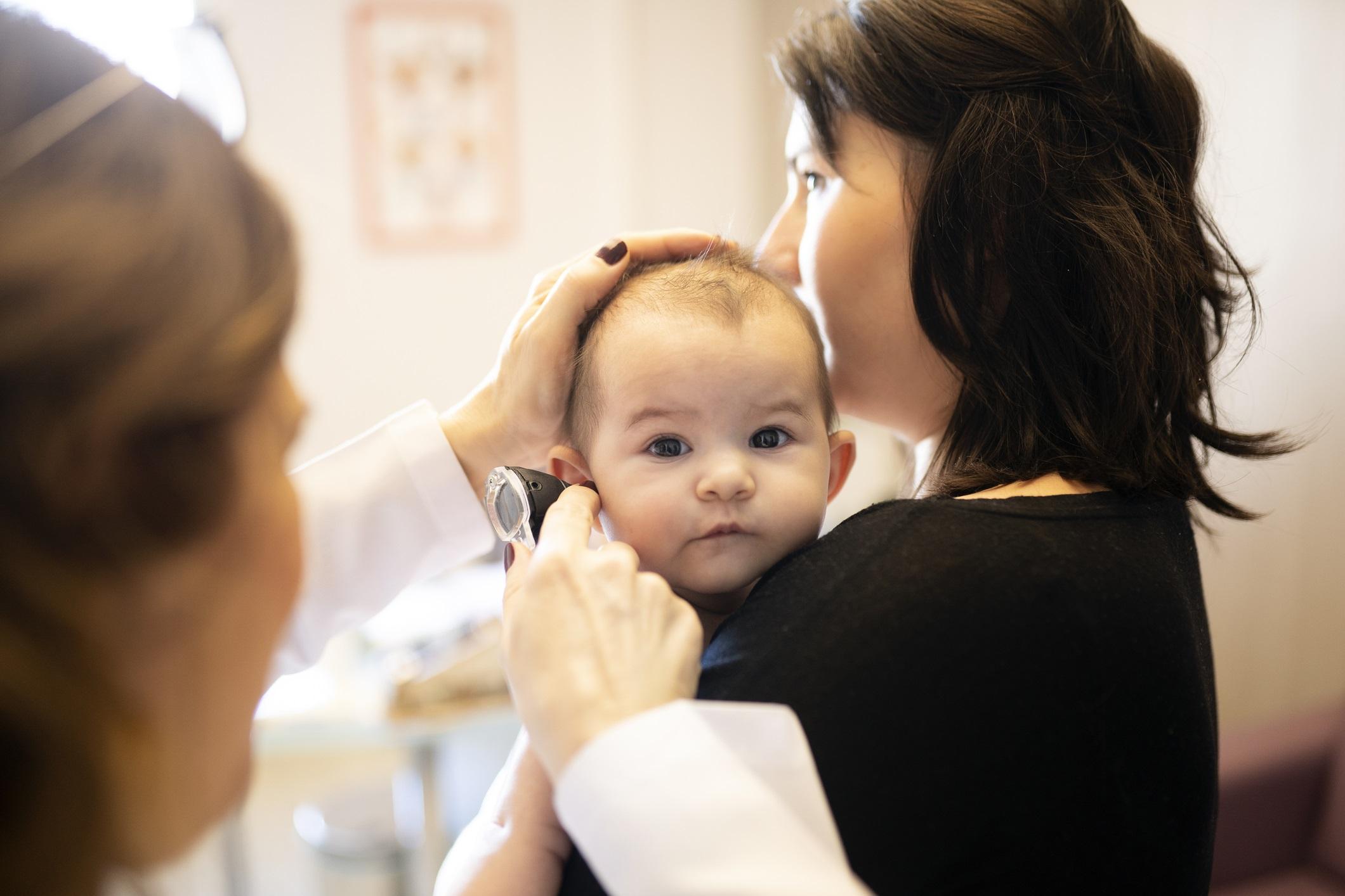 L'otite de bébé : comment la reconnaître ? - Top Santé