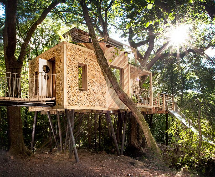 Ngôi nhà bằng gỗ