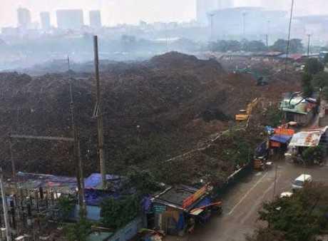 Đào xới bãi rác, dự án gây ô nhiễm môi trường nghiêm trọng tại Mễ Trì 2