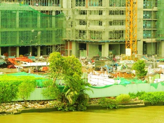 """Thôn tính """"đất vàng"""" ven sông Sài Gòn: Tài sản chung biến thành của riêng 1"""