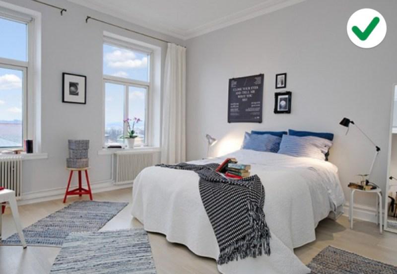 phòng ngủ màu trắng với những điểm nhấn màu sắc