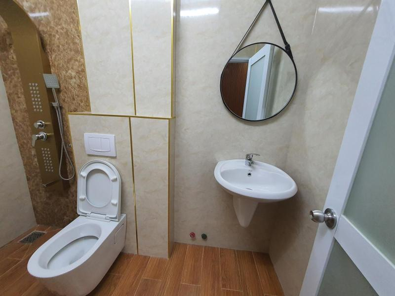 phòng vệ sinh chính