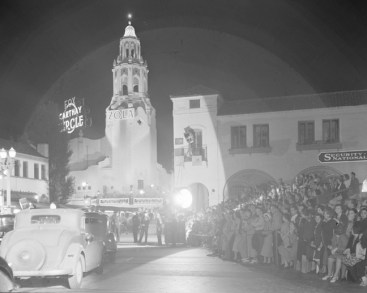 Carthay Circle Theater hosting the 1937 premiere of Zola.