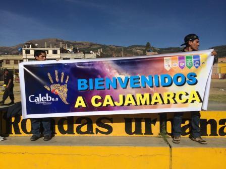 Cartel de los Caleb dando la bienvenida a la ciudad norteña de Cajamarca.