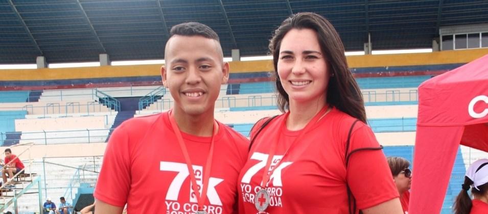 La modelo Viviana Parra, junto a joven adventista