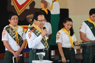 Pr. Antonio López, distrital de Guayaquil, dirige ceremonia de dedicación de los Conquistadores