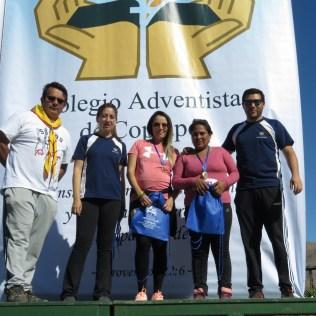 Entrega de medallas a los ganadores de la corrida