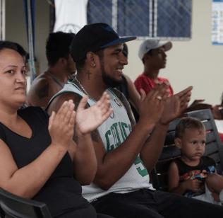 Refugiados en día de integración en el dentro de alojamiento temporal (Foto: Samuel Velásquez)