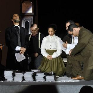 Momento de oração na encenação do evento - Crédito: Wilson de Azevedo