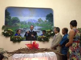 No encerramento do programa em Macaé, duas pessoas foram batizadas.