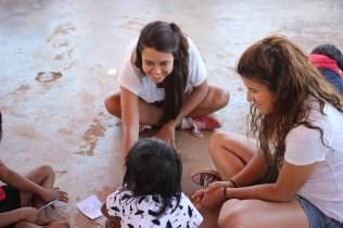 Missionarias Raphaela e Thammy
