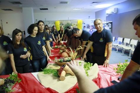 Equipes das escolas participam de santa ceia