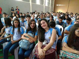 Alunos da Educação Adventista participam de capelas especiais durante a Semana Santa.