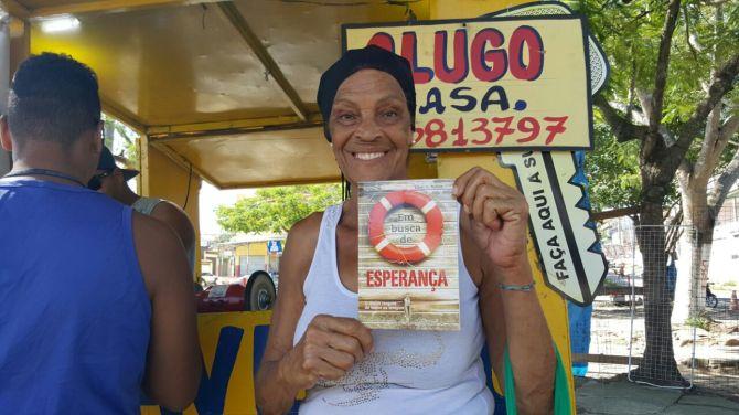 Marilene Lima assiste a TV Novo Tempo e ficou feliz pelo livro.