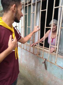 Dona Sônia agradece voluntários